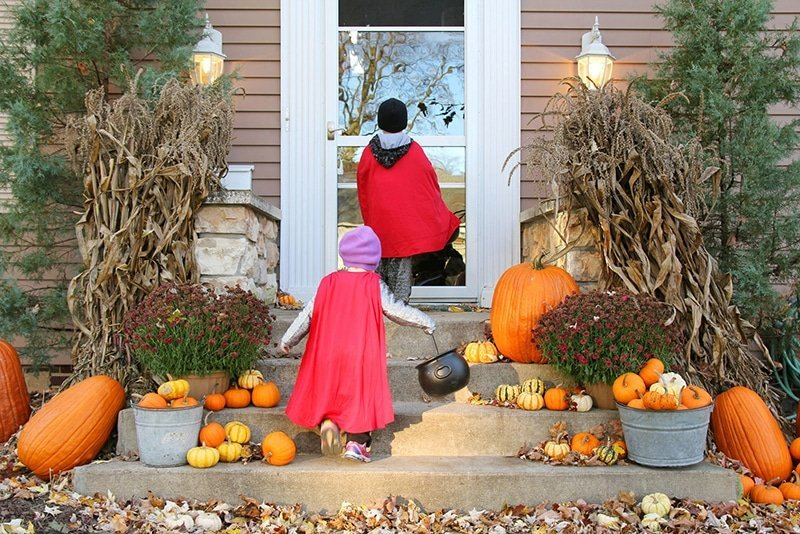 Top Tips for Trick-or-Treating Safety This Halloween